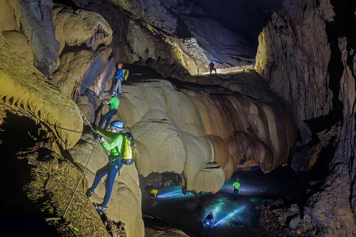 Chuyến đi an toàn, đầy đủ tại hang va